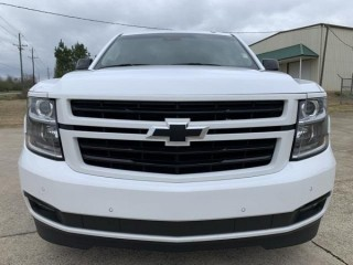 Chevrolet tahoe 2018 condition PERFECT INSIDE AND OUT