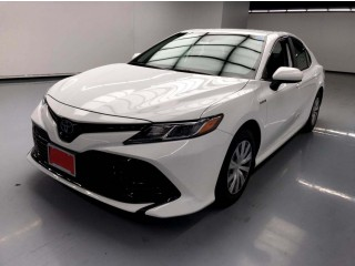 Toyota Camry Hybrid LE - 2019