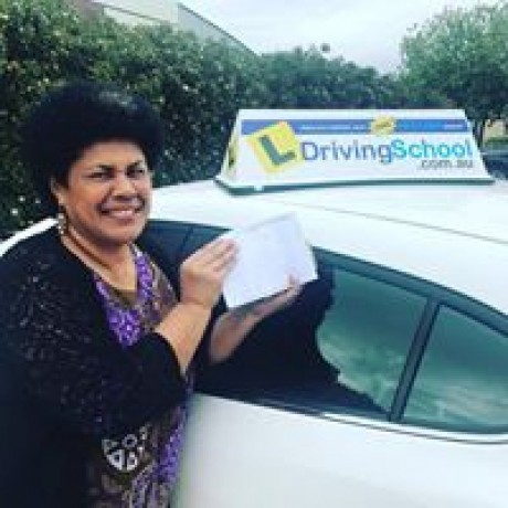 save-up-to-15-on-the-first-driving-lesson-l-driving-school-big-2