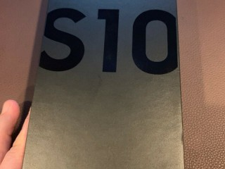 Samsung galaxy s10+ 512gb $400