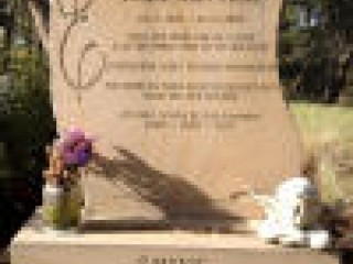 Custom made gravestones in Melbourne