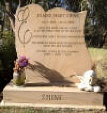 custom-made-gravestones-in-melbourne-big-0