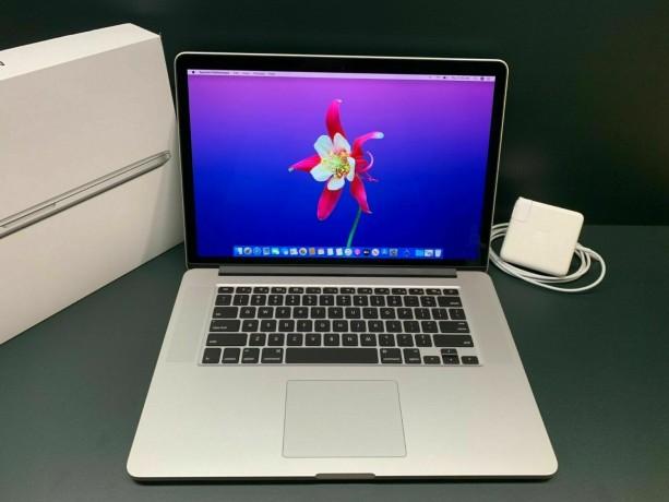 apple-macbook-pro-15-big-0
