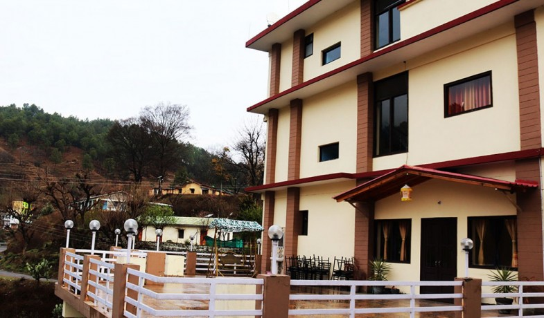 family-hotels-in-almora-business-hotels-in-almora-big-0