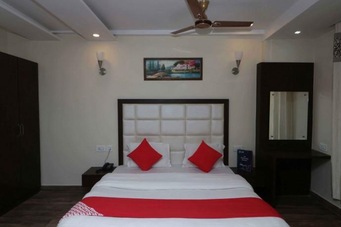 best-hotel-in-dalhousie-hotel-blue-magnets-big-2