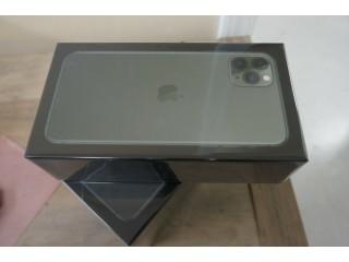 Fs: Apple iphone 11 pro max, samsung galaxy s20