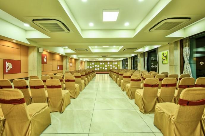 best-hotel-in-ahmedabad-big-1