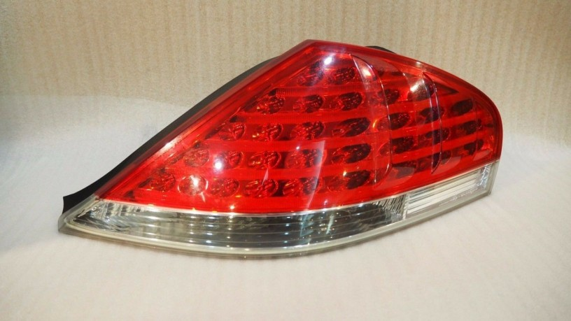 bmw-e64-6-series-tail-lamp-rear-right-big-0