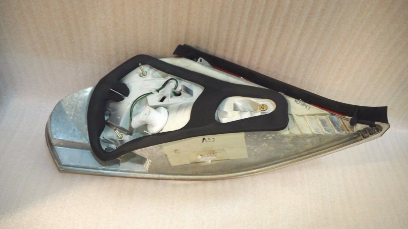 bmw-e64-6-series-tail-lamp-rear-right-big-1