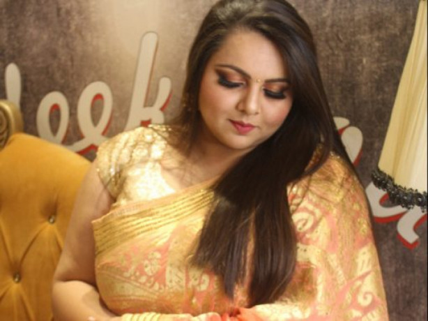 get-best-makeup-artist-in-delhi-with-30-off-during-covid19-big-0