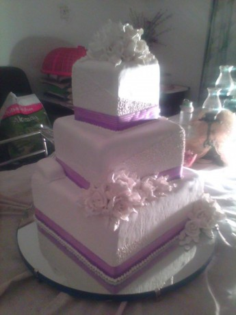 classes-on-cake-making-wedding-cake-structures-big-1