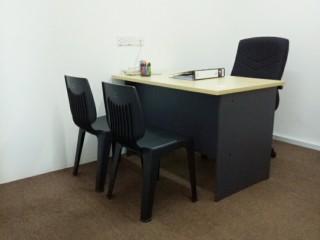 以每个月低至RM490令吉 就可以拥有设备齐全的私人办公室。