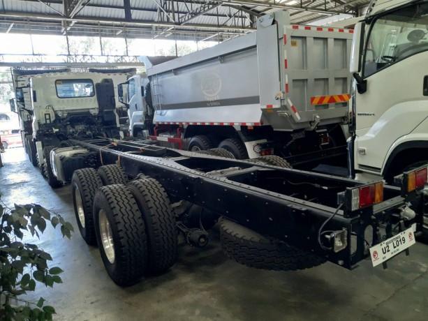 isuzu-giga-ql1310u1vdhy-cyh-8x4-rigid-truck-cab-chassis-big-1