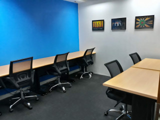 Fitted Office for Rent in Makati 5-Pax