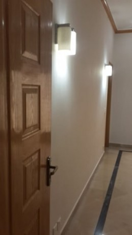 10-marla-house-for-sale-in-bahria-town-lahore-big-1