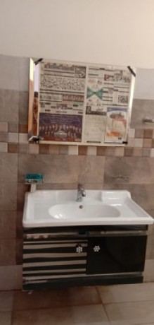 10-marla-house-for-sale-in-bahria-town-lahore-big-2