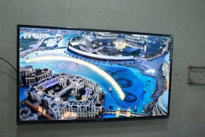42inch-smart-android-uhd-tv-brand-new-series-with-mobile-wireless-big-0