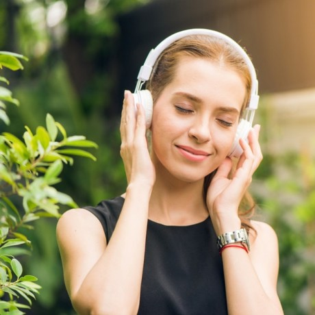 buy-bluetooth-headphones-at-low-price-by-shopok-big-0