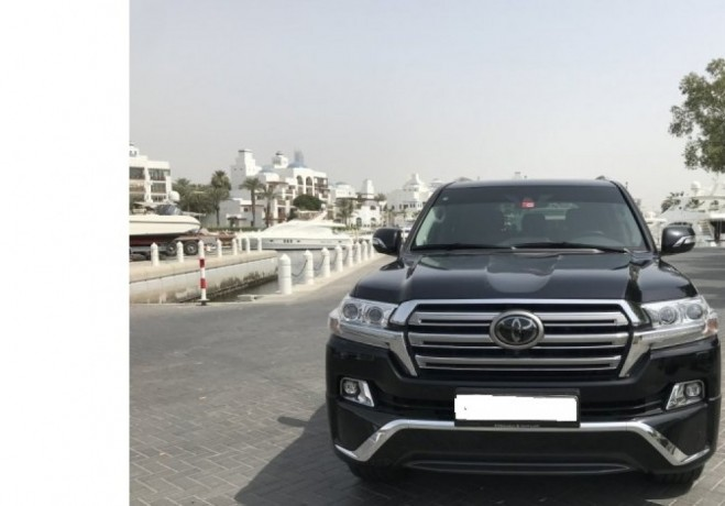 toyota-land-cruiser-2018-gcc-suv-big-2