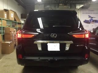 216 Lexus LX570