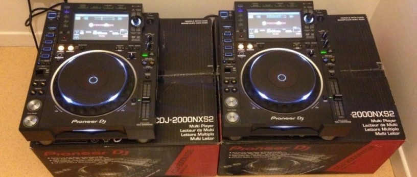 for-sale-new-2x-pioneer-cdj-2000nxs2-and-djm-2000nxs2-mixer-package-big-0