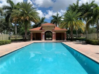 Townhouse for rent at Pembroke Cay Condo, Hollywood Florida