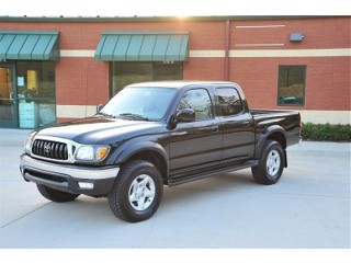 2003 Toyota Tacoma super clean & best offer