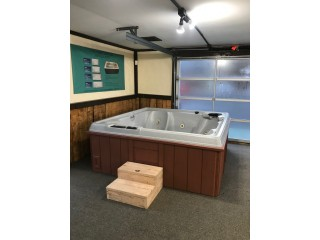 Coleman Hot Tub Used great condition and ready for delivery